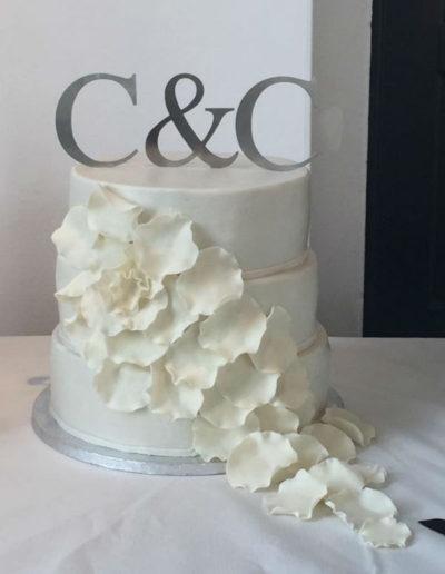 Bryllupskage med fondant blade